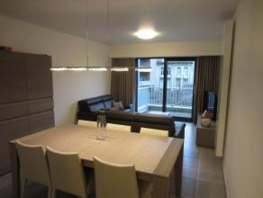 Modern 2-slaapkamer appartement in een recent gebouw.  Terrasje aan de zonnekant. Parking in het gebouw inbegrepen.  Op de eerste verdieping gemeensch