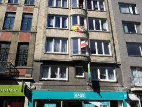 Ruim en gezellig appartement met 2 slaapkamers in hartje Oostende.  De keuken is volledig ingericht en er is een badkamer met ligbad.