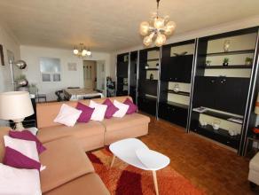 Ruim appartement gelegen op de 10e verdieping van residentie Aldis bestaande uit inkomhall, ruime woonkamer met terras en frontaal zicht op zee, inger