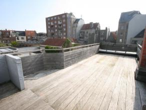 Dit gerenoveerde appartement is gelegen op de 2e verdieping van een woning in de Nijverheidstraat. Het appartement omvat een inkomhall, ruime woonkame