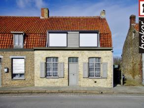 Veurne ? Houtem ? huis met mooie zonnige tuin met groot tuinhuis te koop Veurne ? Houtem : huis met L-vormige living verwarmd met aardgaskachel, recen