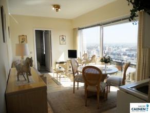 Zeer aangename, gemeubeld appartementmet een prachtig open zicht aan de zuidkant.Woonkamer met open keuken. Slaapkamer met inbouwkast. Bad
