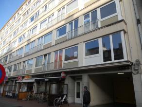 Het appartement bestaat uit:Zonnige woonkamer;Eenvoudige keuken zonder kookfornuis;2 slaapkamers met ingebouwde kasten. 1 slaapkamer met l