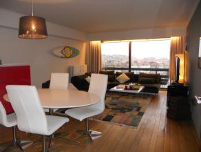 Woonkamer met prachtig uitzicht;Gerenoveerde volledig geïnstalleerde keuken;Ruime inkomhall;Twee slaapkamers;Badkamer met ligbad en douche;Afzond