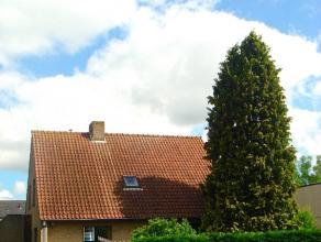 Alleenstaande villa met garage en ruim werkatelierRuime leef- en eetruimteRuime Keuken4 slaapkamersKelder en zolderGrote tuinOprit rondom de woningTot