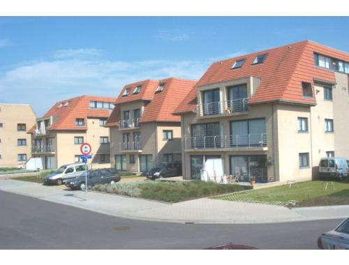 Garage louer middelkerke 105 dtspd for Garage professionnel a louer