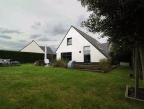 Instapklaar en goed onderhouden;Op een boogscheut van centrum Veurne; Drie ruime slaapkamers, grote leefruimte met open keuken; Func