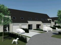 Nieuwbouwwing in centrum Gistel op 200 m². Gesloten bebouwing met ruime living, open keuken en berging. 3 slaapkamers en badkamer.Mog.tot