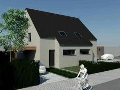 Prachtige halfopen nieuwbouwwoning op 225 m² te Gistel(Krinkelweg). Ingedeeld met living en open keuken, 3 slaapkamers en badkamer. Carpor