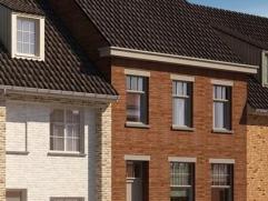 Ruime te renoveren woning te Diksmuide met zongerichte tuin. Mogelijkheid voor ruime living, keuken, 3 slaapkamers + badkamer. Berging en bruikbare zo