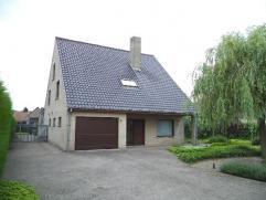 Instapklare, moderne, ruime en lichtrijke villa op 1353 m². Ideale ligging, 4 ruime slpks + bureau + hobbyruimte. Loods (uitbreidbaar) Pra