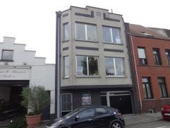 ZÃÂÃÂr ruime bel-ÃÂtagewoning met garage en tuin te Sint-Kruis! Ingedeeld living, keuken, badkamer en 4 slaapka
