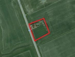 Perceel bouwgrond met bestaande woning op 1620 m² te Ramskapelle. Unieke ligging. Mogelijkheid tot bouwen/uitbreiding van 1000 m³ . Vlakbij