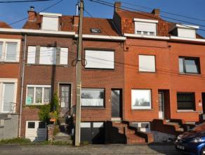 Kortrijk - Pottelberg IDEAAL GELEGEN INSTAPKLARE EN ZONNIGE RIJWONING MET MODERN COMFORT : Indeling : Sfeervolle zonnige living met parket, met zicht