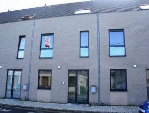 Te huur euro 725 Woning Kortrijk Schuttersstraat 30 1 3 150 kWh/m2 01.11.2016 deze practische woning is als volgt ingedeeld: * gelijkvloers: - inkomha