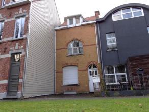 SUPER gelegen te moderniseren woning met 3 slpks, terras en zij- uitgang. UC:1703400  EPC:822kWh/m² (Wg, Vg, Gdv, Gvkr, Gvv)