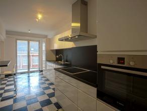 In centrum gelegen, ruim, karaktervol appartement met respect en behoud van authentieke elementen gecombineerd met moderne elementen bestaande uit 3 s