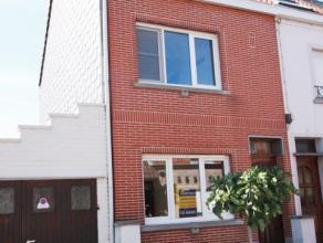 Volledig vernieuwde woning te huur in centrum Avelgem.<br /> Zeer rustig gelegen.<br /> 2 slaapkamers.<br /> Nieuwe keuken en badkamer, nieuwe rame