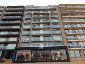 Subliem afgewerkt appartement met 1 slaapkamer in een recent project op de zeedijk te Nieuwpoort! Gelegen op de 1ste verdieping biedt dit standingvol