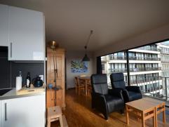 Zonnig hoekappartement in residentie Den Oever te Oostduinkerke. Dit appartement is vlakbij zee gelegen en kijkt uit over het IJslandplein en het hint