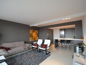 Volledig vernieuwd en heel mooi gemeubeld appartement. De gevel van de residentie werd in 2012 grondig vernieuwd; er werden nieuwe terrasafsluitingen