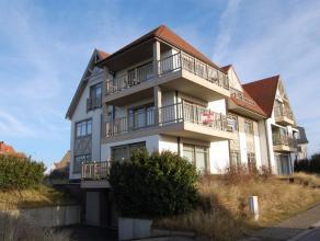 Luxueus 3-slaapkamer appartement op topligging te koop. Dit ruim appartement van ongeveer 135 m² is rustig gelegen vlakbij het strand van Sint-An