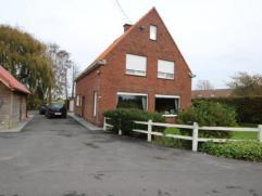 NIEUW landelijke woning op 1255 m² - Inkom - Ruime living - Ruime keuken - Mogelijkheid tot badkamer beneden - Drie slaapkamers - Badkamer - Zold
