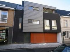 Volledig instapklaar (= geschilderd) nieuwbouw duplex-appartement (met lift), gelegen in het centrum van Tielt, bestaande uit: