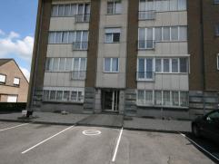 Instapklaar gelijkvloers appartement te huur bestaande uit: