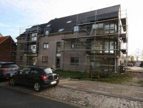 Appartement gelegen op de eerste verdieping van een nieuwe residentie gelegen nabij het centrum van Tielt, bestaande uit: - inkom - toilet - ruime lee
