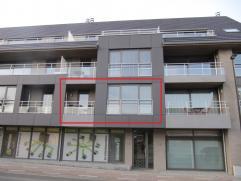 Residentie Bloemmolens : Een uiterst gezellig instapklaar geschilderd appartement (1ste verdiep - 88 M² opp.) met grote autostaanplaats (met aut