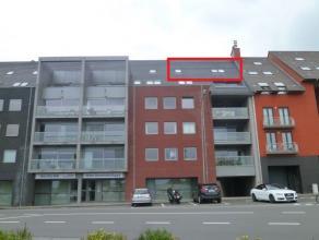Eén-slaapkamerappartement met kelderberging gelegen in residentie Delvaux aan het station te Tielt. Het appartement is gelegen op de 5de verdie