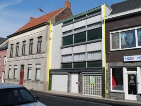 Zeer ruime bel-étage woning in centrum Wakken op 167m². Beschrijving: Degelijke gezinswoning met garage en ruime omsloten binnenkoer. Inko