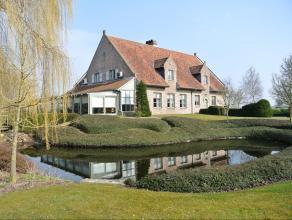 Vlaamse Villa met mooi aangelegde tuin met vijvers