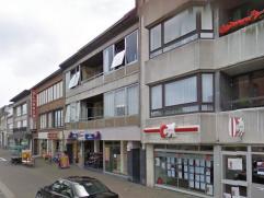 2-slaapkamerappartementen te koop op de Grote Markt van Zelzate, dichtbij alle winkeltjes en vlakbij de belangrijke invalswegen. Appartement op de eer