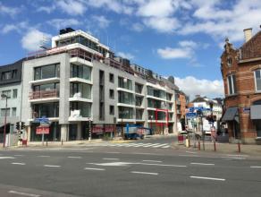 In het hartje van Deinze bevindt zich op de eerste verdieping van Residentie Donsa dit ruim 3 slaapkamerappartement. Winkels, scholen, openbaar vervoe