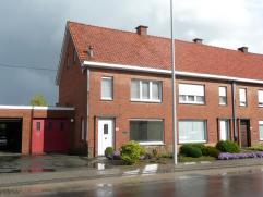 Instapklare woning met tuin en grote garage te Roeselare