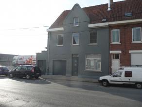 Ruime volledig gerenoveerde woning met garage en tuin te Roeselare