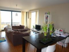 Knus 2 slaapkamer appartement te huur nabij het stadscentrum van Roeselare. Dicht gelegen bij winkels, school, bakker enz...!Appartement bestaande uit
