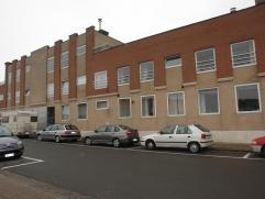 Knus appartement te huur dicht gelegen bij het centrum van Roeselare. Vlakbij winkels, scholen, bakkers, enz...Appartement bestaande uit:- Inkom met t