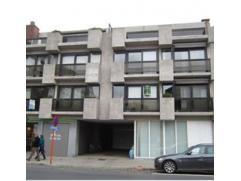 Volledig gerenoveerd 1 slpk appartement te Roeselare met nieuwe keuken en zeer ruim terras!