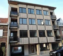 2 slpk gelijkvloers appartement met moderne keuken, badkamer & kelderberging.