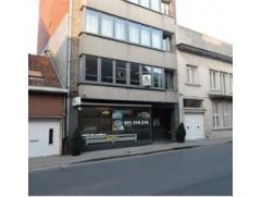 Centrum Roeselare, gerenoveerd 3 slpk appartement, op de 1ste verdieping, nieuwe ramen & nieuwe keuken, opgeschilderd, instapklaar !