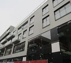"""Zeer rustig gelegen 1 slpk appartement, centrum Roeselare, """"DE MUNT"""", met autostaanplaats."""
