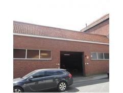 Zeer centrale gelegen staanplaatsen, in overdekt garage complex, nabij Ooststraat Roeselare