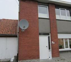 Gezellige woning, rand stad Roeselare, met garage & tuin.
