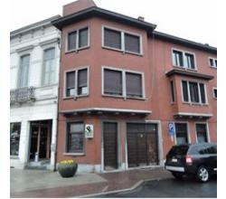 Centrum Roeselare, 2 slpk woning te huur met garage