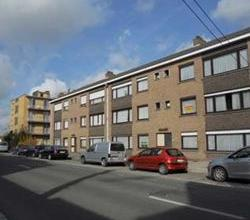 Aangenaam appartement op het gelijkvloers in een rustige residentie met garage, nabij centrum van Roeselare.