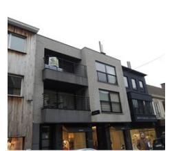 Zeer ruim modern appartement centrum Roeselare met 2 terrassen! Mogelijkheid om een garagestaanplaats bij te huren.