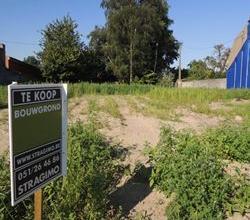 Mooi perceel bouwgrond te Kachtem - IzegemDe woning op de foto is inmiddels afgebroken.